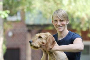 Dr. Gesche Pinke Tierärztin u. Chiropraktikerin fürPferde, Hunde undKatzen